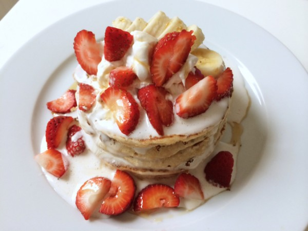 Vegan Banana & Vanilla Bean Pancakes w/ whipped Coconut Cream & Strawberries
